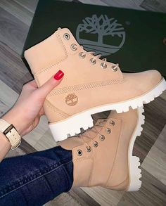 timberland ,boots The post Timberlands im Sale! Link zum Shop in d appeared first on beste Schuhe. Shoes Boots Timberland, Timberlands Shoes, Converse Shoes Outfit, Fashion Boots, Sneakers Fashion, Hijab Fashion, Fashion Clothes, Nike Air Shoes, Air Jordan Sneakers