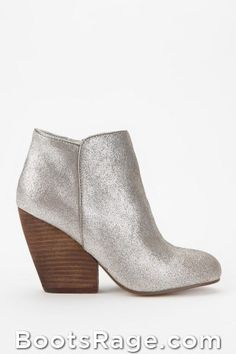 Ecote Growler Suede Ankle Boot - Women Boots And Booties