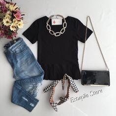 As t-Shirts nunca saem de moda ❤️ T-Shirt Raissa { @sistersbrandwear } | Calça Jeans  Disponível para #Atacado e #Varejo - Seja uma revendedora. @estacaostore_atacado  Compras pelo nosso site:  www.estacaodamodastore.com.br  Pelos nossos whatsapp: (45) 99919-9258 - JAQUELINE #ATACADO (45)99822-5020 - GEIZA #ATACADO (45)99953-3696 - THALYTA #VAREJO  Url:www.estacaodamodastore.com.br/produto/t%252dshirt-raissa.html