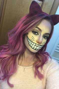 Looking for for inspiration for your Halloween make-up? Browse around this website for creepy Halloween makeup looks. Costume Halloween, Cheshire Cat Halloween Costume, Diy Halloween, Halloween Season, Halloween Parties, Women Halloween, Halloween Projects, Cheshire Cat Cosplay, Halloween Games