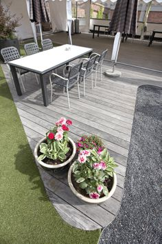 Kebony SYP terrace with silver patina at Fiskar's office in Norway