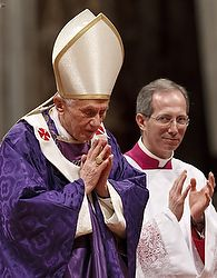 CNS STORY: Pope Benedict changes rituals for new pope's inauguration