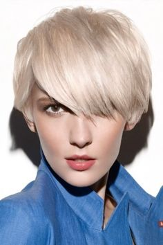 Browse our Mid Ear Length Hairstyle Wig for women. Short wigs above shoulder length to bobs and boys cuts in straight, wavy to curly styles. Modern Short Hairstyles, Trendy Hairstyles, Modern Haircuts, Short Haircuts, Newest Hairstyles, Wedding Hairstyles, Wavy Hair Men, Short Hair Cuts For Women, Thick Hair