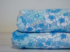 I love vintage sheets. So many trips to VV, and piles of fun retro prints, love love love!