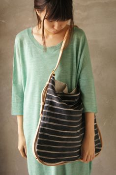 Fashion Bags, Fashion Beauty, Fashion Trends, Sack Bag, Cloth Bags, Purses And Bags, Excess Baggage, My Style, Hand Bags