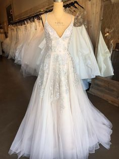"The ""Marni"" gown by Hayley Paige #weddinggowns"