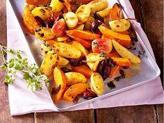 Ofenkürbis mit Kartoffeln, Äpfeln und Majoran Rezept | LECKER Shrimp Avocado, Fall Treats, Pumpkin Recipes, Simple, Potato Salad, Cravings, Low Carb, Food And Drink, Veggies