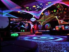 42 Ideas House Party Lights Ideas For 2019 Birthday Decoration Items, House Party Decorations, Black Light Room, Hangout Room, Blacklight Party, Hippy Room, Glow Party, Disco Party, Party Party