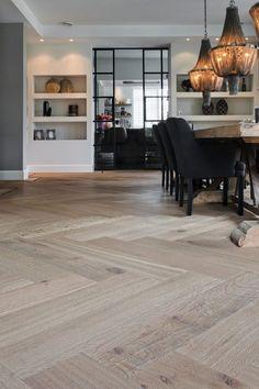 Woonkamer ontwerp met houten vloeren