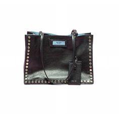Practically perfect 🕶 by @prada #anotherloves #love #handbag #new #etiquette