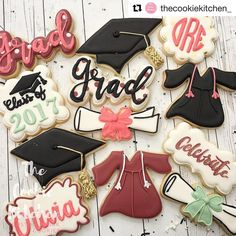 "293 Likes, 11 Comments - Sweetleigh Printed (@sweetleighprinted) on Instagram: ""So excited to see our ""Grad"" font cutter decorated for the first time 😍 @thecookiekitchen_ did a…"""