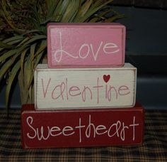 Valentine's Day Blocks Love Valentine Sweetheart Primitive Word Blocks Sign Distressed Stacking Shelf Blocks