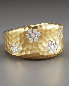 Roberto Coin Martellato Fantasia Ring - Love the texture. not sure about the flower diamonds. Diamond Jewelry, Jewelry Box, Jewelry Rings, Silver Jewelry, Jewelry Accessories, Diamond Necklaces, Diamond Rings, I Love Jewelry, Fine Jewelry