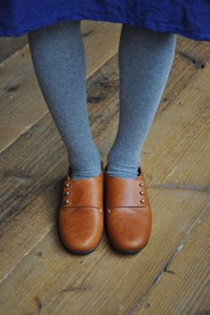 this simple brown leather  shoes are wonderful - eimeku | GOODS
