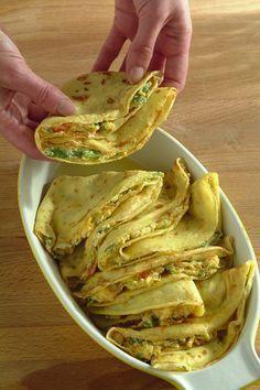 Crespelle estive con ricotta, zucchine e pomodoro fresco ❁✦⊱❊⊰✦❁ ڿڰۣ❁ ℓα-ℓα-ℓα вσηηє νιє ♡༺✿༻♡·✳︎·❀‿ ❀♥❃ ~*~ MON Jun 2016 ✨вℓυє мσση ✤ॐ ✧⚜✧ ❦♥⭐♢∘❃♦♡❊ ~*~ нανє α ηι¢є ∂αу ❊ღ༺✿༻♡♥♫~*~ ♪ ♥✫❁✦⊱❊⊰✦❁ ஜℓvஜ Healthy Cooking, Cooking Recipes, Healthy Recipes, Crespelle Recipe, Yummy Food, Tasty, Antipasto, Mets, Cooking Time