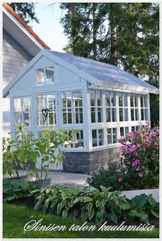 Old window greenhouse - Gardening For Today Old Window Greenhouse, Diy Greenhouse Plans, Backyard Greenhouse, Greenhouse Panels, Greenhouse Wedding, Greenhouse Film, Commercial Greenhouse, Small Greenhouse, Wooden Greenhouses