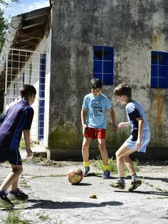 We make a living by what we get, but we make a life by what we give. Perhaps no one would argue that it really feels good to give back. Thanks to the initiative of my good company, we got a chance to share and volunteer a day for the kids of the Bosnian Town of Trebinje. Makes the reward trip (my