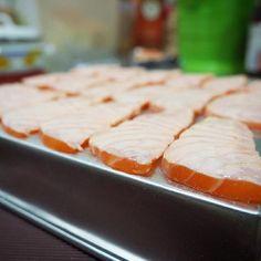 Playing timeeeee.. #echristina22 #snapfoodie #eat #eatsjakarta #food #foodies #foodgasm #foodporn #jakarta #cook #cooking #salmon #sashimi #japanese #aburi #kitchen #chef #chefwannabe #amateurchef #foodtograph #kitchen #homecook #mirrorless #olympus #camera #sushi by echristina22