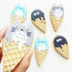 Another shot of my ice cream Totoro cookies from last week! Happy hump day #totoroweek #totoro #studioghibli