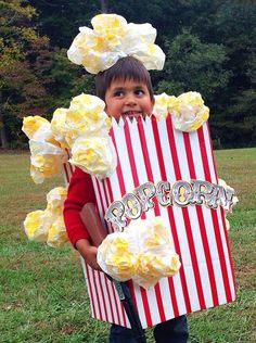 DIY Halloween costume. Box of popcorn for Halloween.