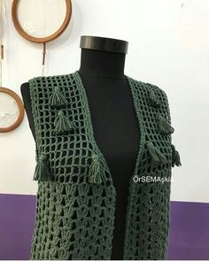 Image may contain: people standing Crochet Cardigan, Crotchet, Diy And Crafts, Projects To Try, Knitting, Pattern, Inspiration, Accessories, Tops