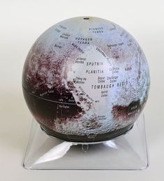 This beautifully detailed 6-inch globe lets you explore the amazing geology revealed by New Horizons during its historic 2015 flyby. The post Sky & Telescope s Pluto Globe is Here! appeared first on Sky & Telescope.