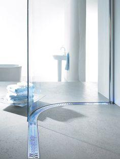 ACO Haustechnik Roll-in Shower Channel Drain Ada Bathroom, Handicap Bathroom, Mosaic Bathroom, Bathroom Fixtures, Bathroom Remodeling, Master Bathroom, Bathroom Ideas, Linear Drain Shower, Shower Drain