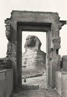 La Esfinge enmarcada, 1982