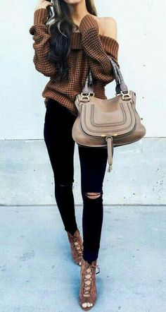 skinny ripped jeans, oversized sweater, heels - fall outfit.