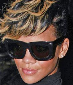 Rihanna wearing the Grey Ant Status Sunnies Stylish Sunglasses, Cheap Sunglasses, Wayfarer Sunglasses, Sunglasses Women, Rocker Girl, Rose Colored Glasses, Celebrity Style Inspiration, Celebrity Look, Rihanna