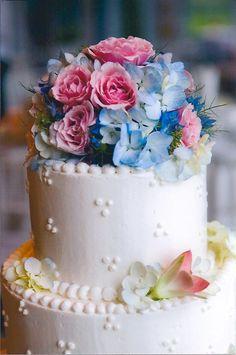 Wedding Cake Flowers #caketop www.cecilyfgrand.com