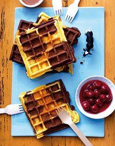 Schoko-Vanille-Waffeln – Rezepte – [LIVING AT HOME] Chocolate vanilla waffles – recipes – [living at home] Sweet Recipes, Cake Recipes, Dessert Recipes, Food Cakes, Vanilla Waffle Recipes, Best Pancake Recipe, Pancakes And Waffles, Pancake Muffins, Chocolate Recipes
