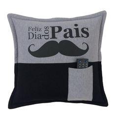 Almofada com bolso Feliz dia dos Pais Bigode Cinza e Preta > Conforto Store