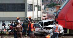 Um carro foi atingido por um trem próximo à estação Engenheiro Cardoso, da linha 8-diamante da CPTM (Companhia Paulista de Trens Metropolitanos), em Itapevi (40 km de São Paulo). Uma pessoa morreu e outra ficou ferida