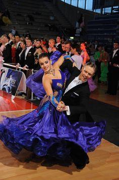 The Dancing Feeling, located in Warwick, Rhode Island is a full-service Social Dancing and Ballroom Dance Studio. Ballroom dancing RI at DF Dance Studio RI. Ballroom Dance Dresses, Ballroom Dancing, Shall We Dance, Just Dance, Dance Photos, Dance Pictures, Latin Dance, Dance Art, Baile Latino