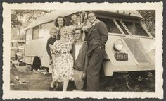 Early pre-war motorhome livin'... with pocket squares.