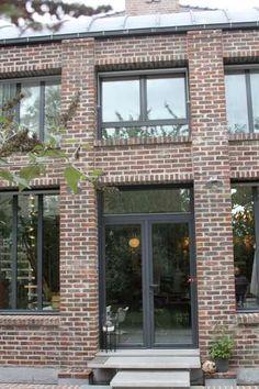 Maison Brique Aluminium Fenêtre Porte Contemporain Façade Maison de famille entre style contemporain et objets chines
