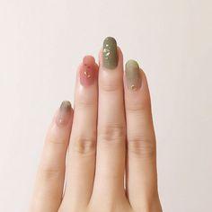 Nail Art Nail Design Japanese Nail Art Source by akiwarinda Asian Nail Art, Asian Nails, Gel Nail Art, Nail Polish, Witchy Nails, Halloween Acrylic Nails, Japanese Nail Art, Sparkle Nails, Minimalist Nails