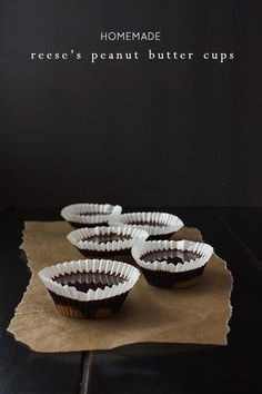 Grown ups want candy tonight too! It's not too late to make these super easy DIY Reese's peanut butter cups for Halloween night. Just a few wholesome ingredients needed. (easy make up ideas coconut oil) Health Desserts, Just Desserts, Delicious Desserts, Homemade Peanut Butter Cups, Reeses Peanut Butter, Yummy Treats, Sweet Treats, Real Food Recipes, Dessert Recipes