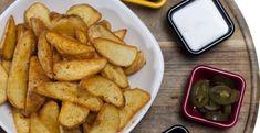Špeciálne pečené zemiaky - Receptik.sk Snack Recipes, Snacks, French Toast, Food And Drink, Chips, Ale, Chicken, Meat, Cooking