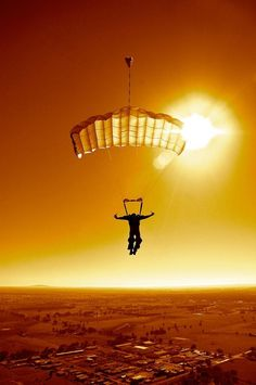 Saut en parachute - Skydiving - Sunset #sautparachuteseul #parachute #parachutisme