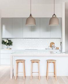 34 Magnificent Scandinavian Kitchen Bar Ideas You Will Love. Obtain More Amazing Scandinavian Kitchen Bar Ideas Home Interior, Interior Design Kitchen, Interior Decorating, Interior Modern, Decorating Tips, Minimalist Home Decor, Minimalist Kitchen, Kitchenette, Scandinavian Kitchen