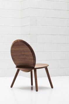Discover the news of the Week of May 21, 2018 and the latest discoveries in terms of international design and interior architecture | NOCOD Studio, Narcisse chair | furniture design | wooden furniture | wooden chair | mirror chair | walnut furniture | walnut chair | rounded chair | French design | French designers | product design | mobilier design | Paris studio | chair | seating