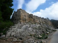 Clouds on Mycenae Mycenae, Lions, Mount Rushmore, Gate, Clouds, Mountains, Travel, Lion, Viajes
