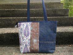 """""""Blue Moment"""" quilted bag by Tilkunviilaaja --Sininen hetki - valmis farkkutilkkulaukku."""