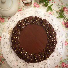 Just in: Tarta de Chocolate con Mermelada de Naranja http://unachispadedulzura.blogspot.com/2017/08/tarta-de-chocolate-con-mermelada-de.html?utm_campaign=crowdfire&utm_content=crowdfire&utm_medium=social&utm_source=pinterest