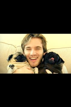 Pewdiepie and Marzia's two pugs Edgar and Maya/Puga/Puga ...