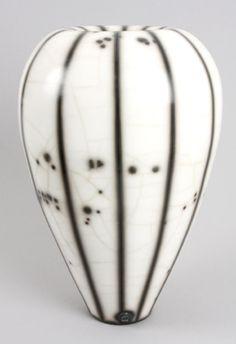 Tim Andrews Ceramics • Ceramics Now - Contemporary ceramics magazine  Like the top of this vase