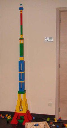 Duplo building - Eiffel Tower - complete