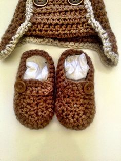 Crocheted Baby boy or girl booties by TwistedCrochetaz on Etsy